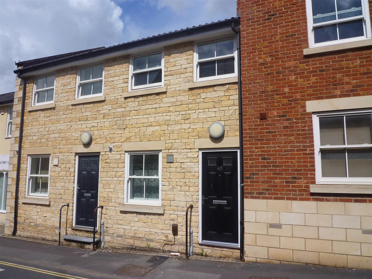 2 Bedrooms Terraced House for sale in Duke Street, Trowbridge